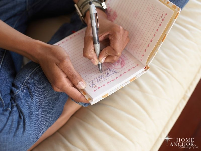 Journaling Your Thoughts Can Help You Cope with Loneliness
